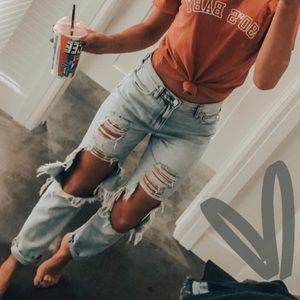 AMERICAN EAGLE || ripped mom jeans worn once!